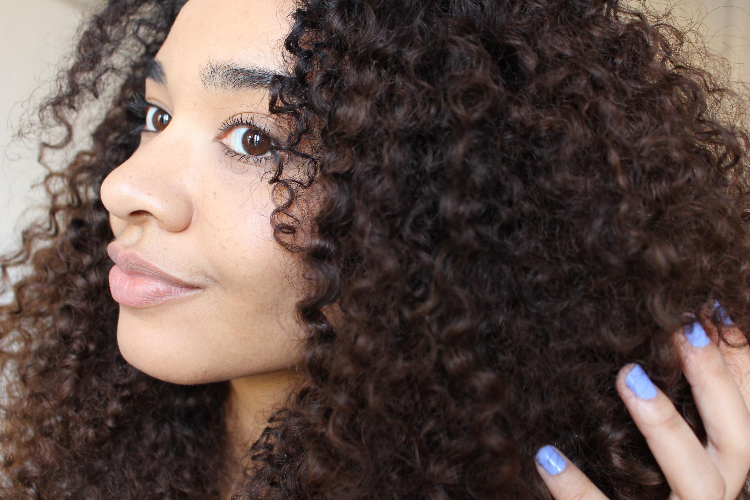 cheveux frises
