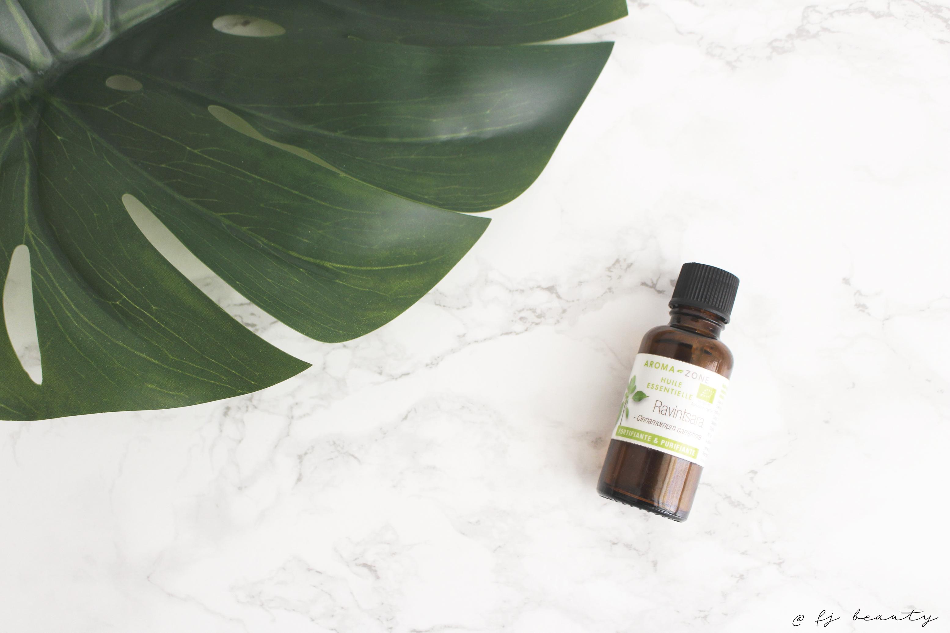 huile essentielle ravintsara boutons acné