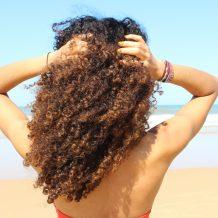 soin cheveux frises boucles été