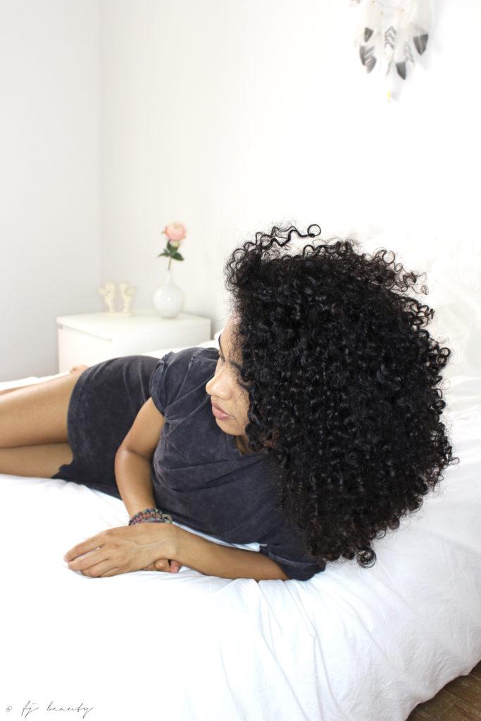 comment conserver et prot ger ses boucles la nuit. Black Bedroom Furniture Sets. Home Design Ideas