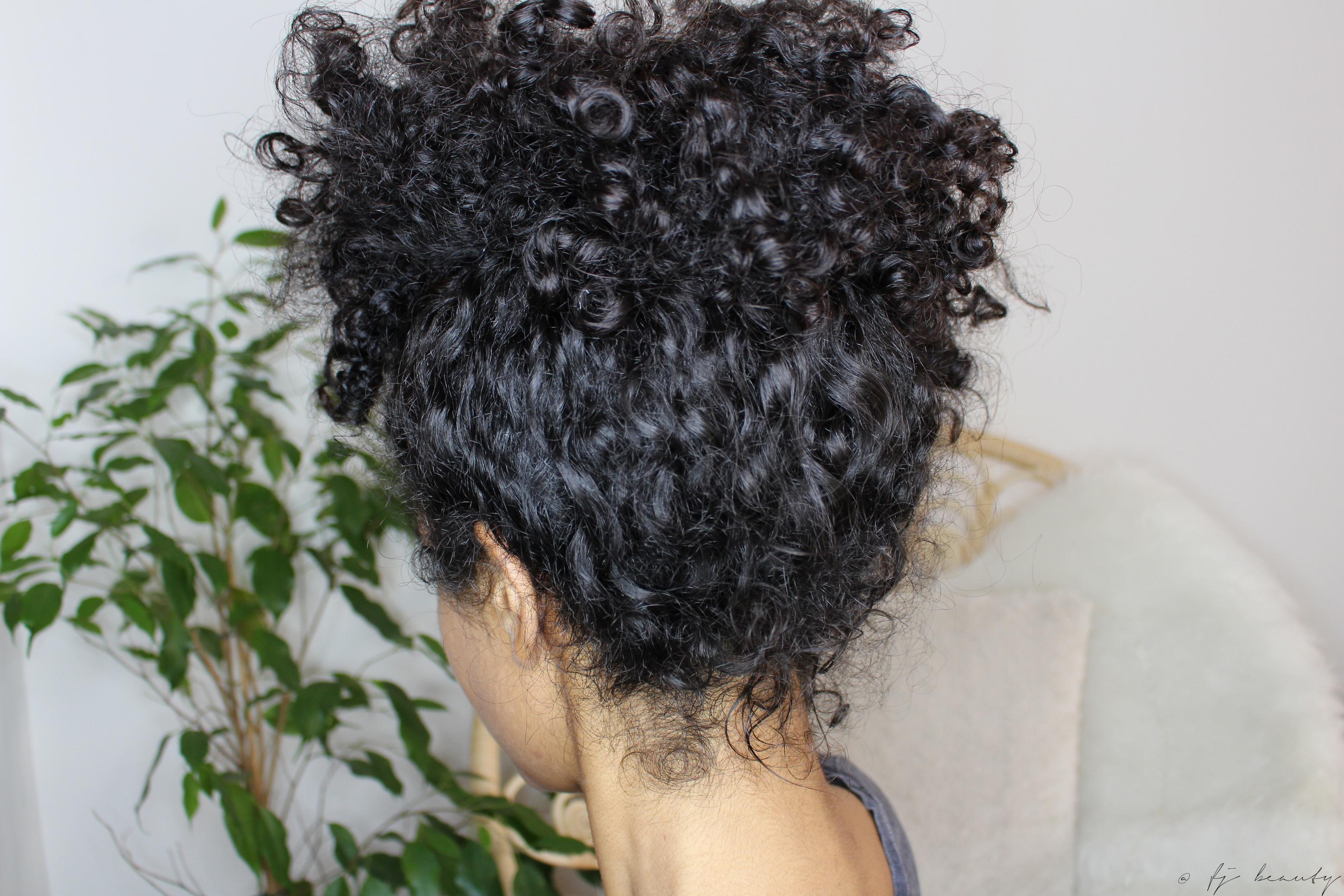 pineapple cheveux frisés