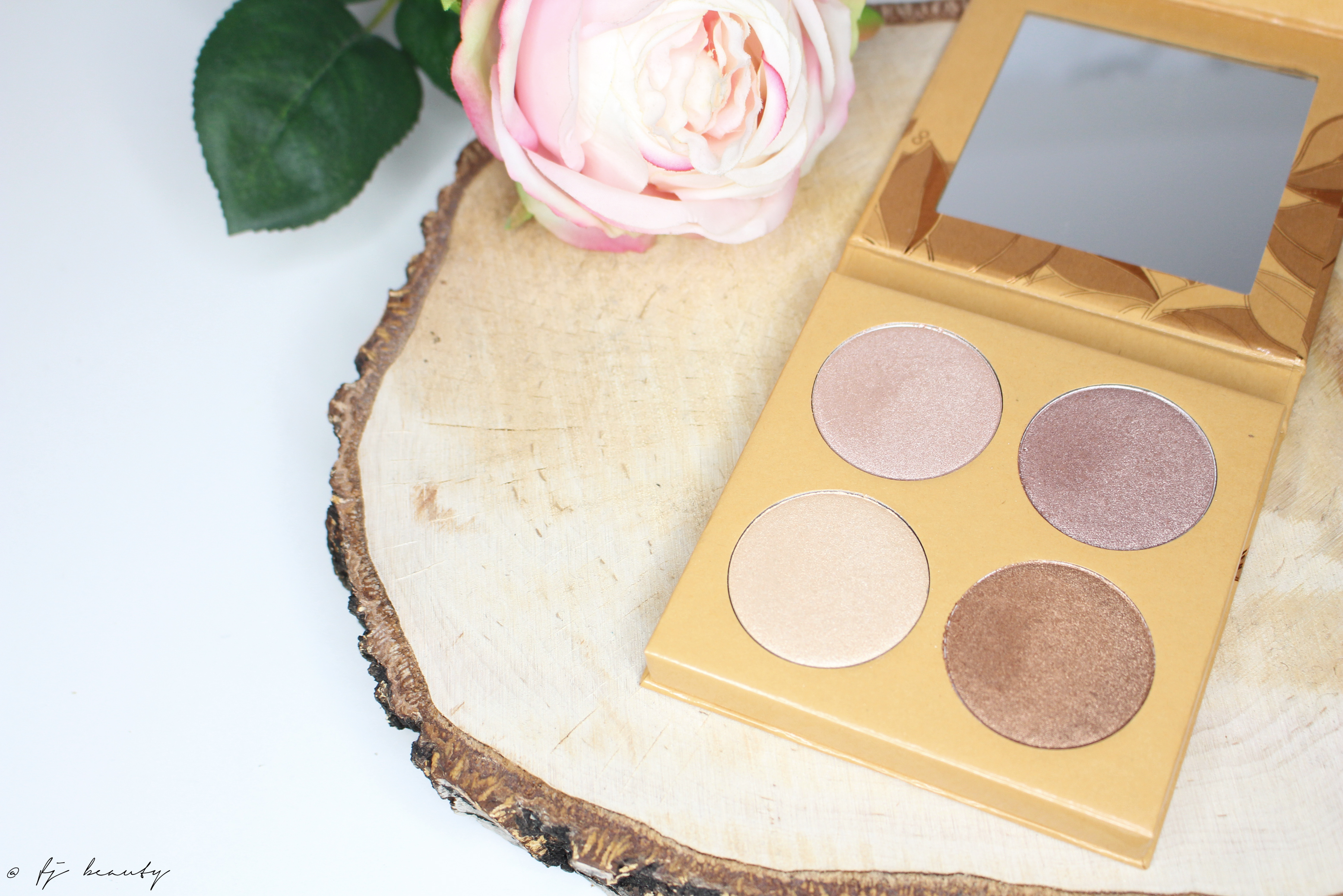 palette highlighter couleur caramel